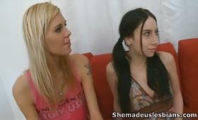 Лесбийки в тройка с две брюнетки и блондинка
